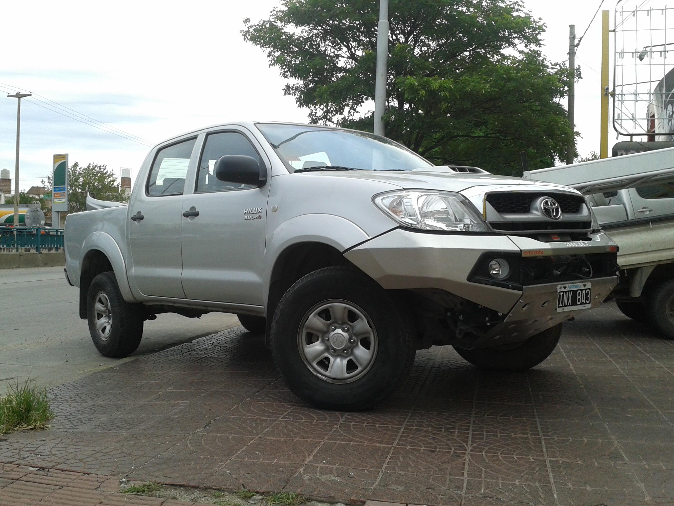 Kelebihan Kekurangan Toyota Hilux 2005 Review
