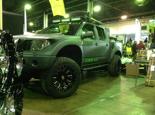 NISSAN NAVARA PRE RUNNER BODY KIT
