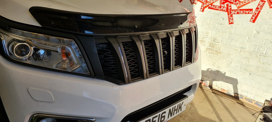 Nissan Navara NP300 grill with led